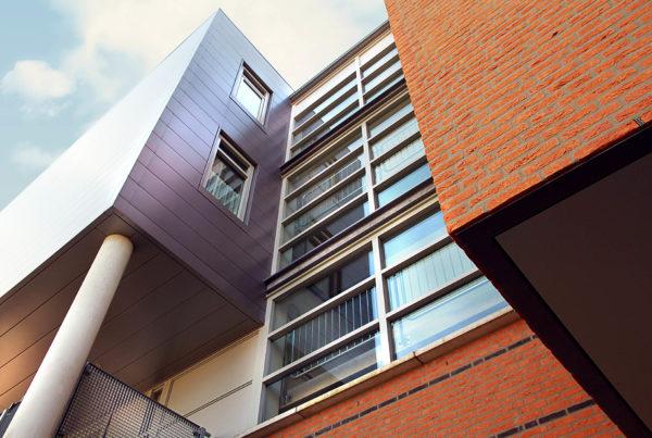 Zorgappartementen, MFA en 2 primaire schoolgebouwen Het Palet, een project van Heykon.